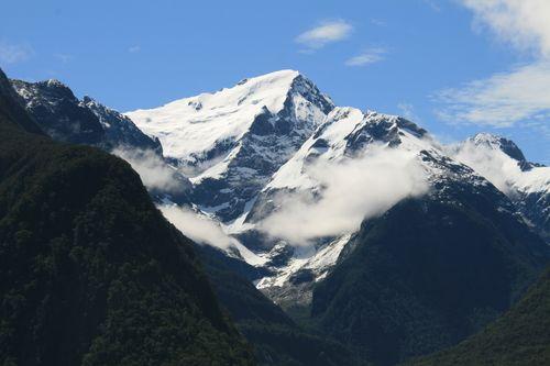 NZ mountain - Milford